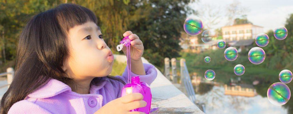 كثيرا ما يلعب الأطفال فقاعات الصابون؟ احترس من التسمم!