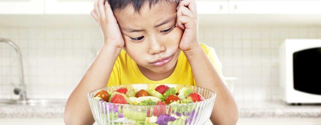 자녀가 과일과 채소를 더 많이 섭취하도록 돕는 5 단계