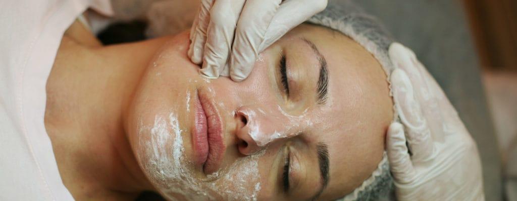 임신 중 얼굴 피부 관리는 안전한가요?