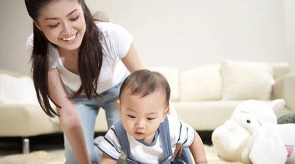 Giochi per bambini dai 7 mesi: nascondino