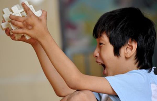 Avvertenza sul rischio di grave compromissione intellettiva nei bambini con anoressia
