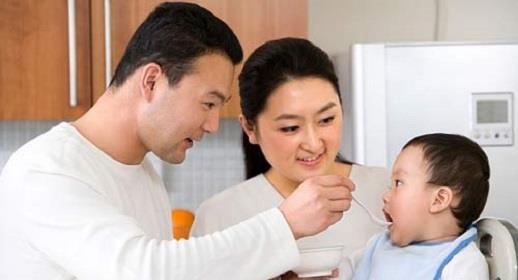 Scegli una serie di snack che siano buoni per il tuo bambino