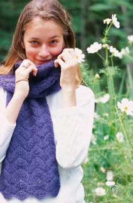 말굽 레이스로 스카프를 뜨개질하고 펠트하는 방법